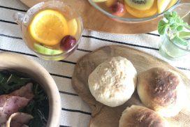 ルッコラサラダ甘酒パン